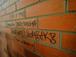 brick-610165_1920